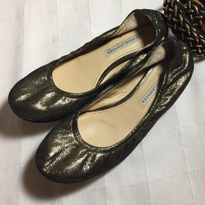 Vera Wang lavender label gold black flats 6.5